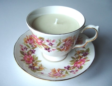 Vintage tea cup candle
