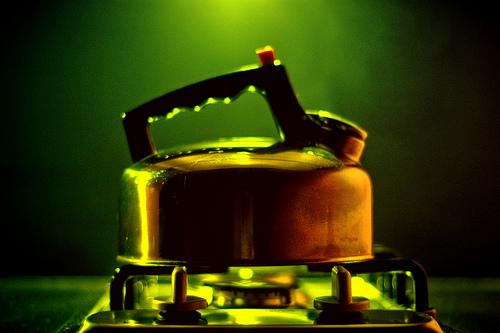 czajnik elektryczny czy na gaz