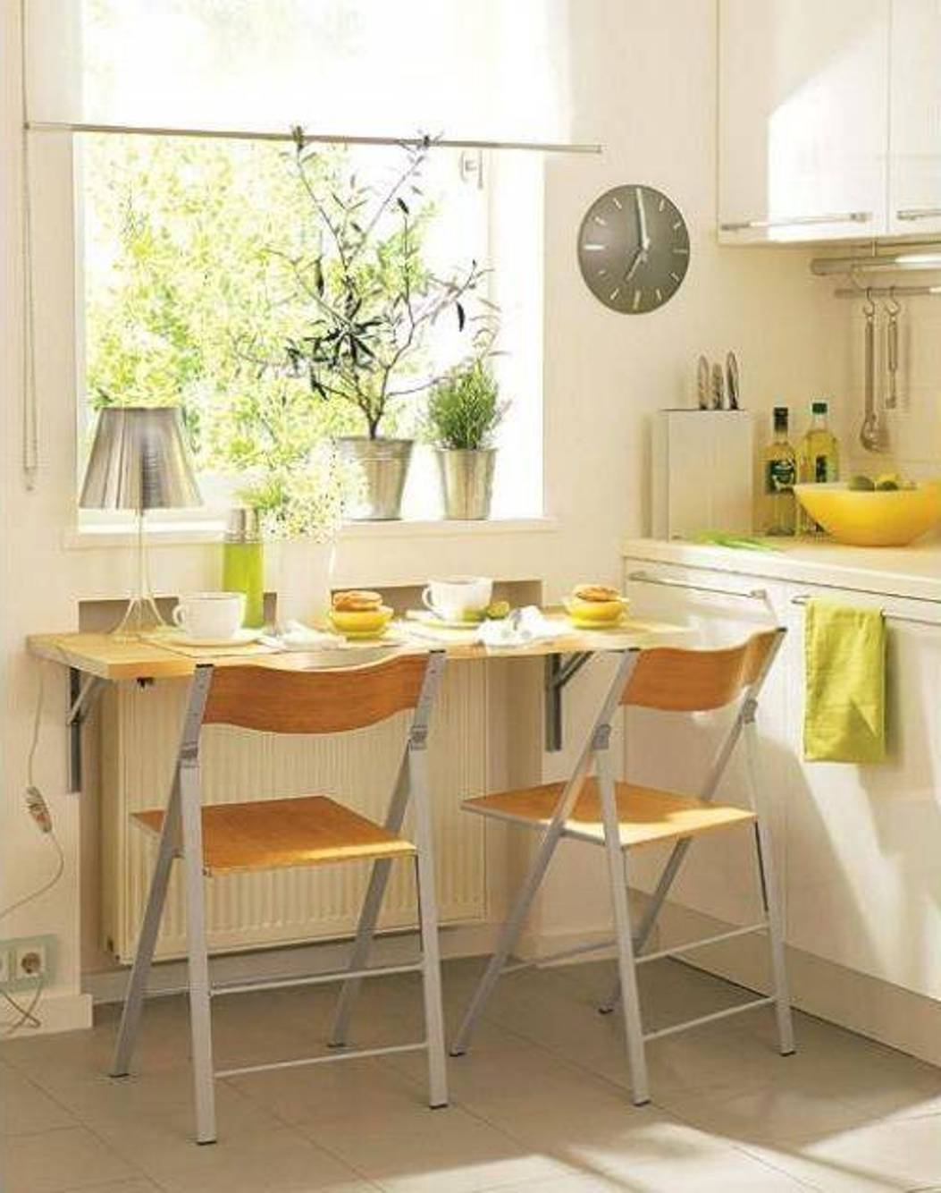 mount-small-kitchen-bar-table-decoration